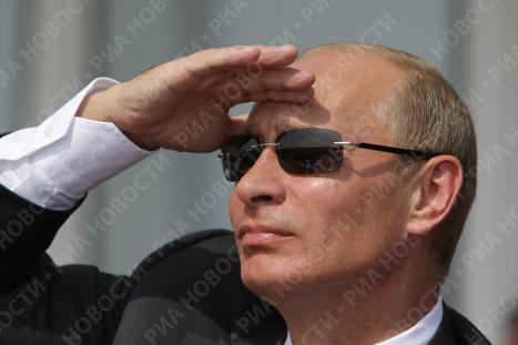 "В. Путин посетил ""МАКС-2009"""