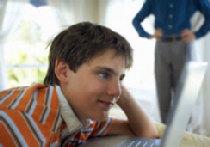 Исследование: все больше детей сталкиваются с интернет-порнографией picture