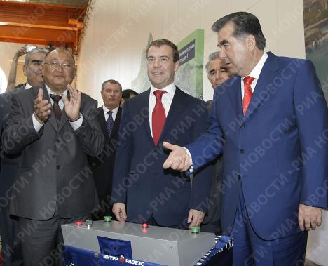 Второй день рабочего визита президента РФ в Таджикистан