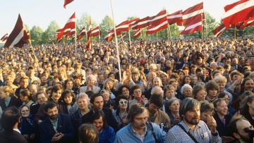 Митинг жителей Риги