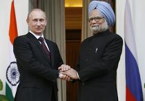 Председатель правительства РФ Владимир Путин во время встречи с премьер-министром Индии Манмоханом Сингхом (слева направо) у Хайдерабадского дворца.