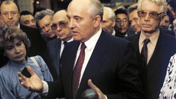 М. С. Горбачев, А. Н. Яковлев и В. А. Медведев