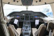 В кабине нового самолета Hawker 4000