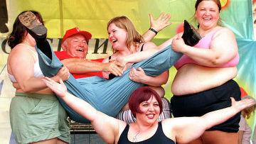 лужков на конкурсе толстушек