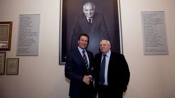 Шварценеггер назвал Горбачева своим героем