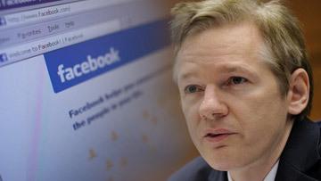 ассанж обвиняет фейсбук в шпионаже