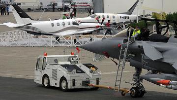 подготовка к открытию авиасалона Ле Бурже в париже