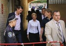 Бывший украинский премьер-министр Тимошенко прибыла на судебное заседание в Киеве