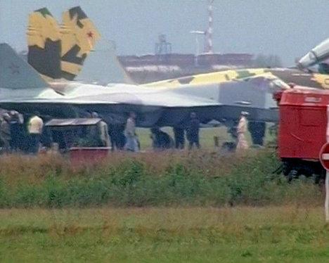 """Истребитель Т-50 не смог взлететь на """"МАКС-2011"""""""