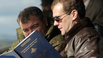 Дмитрий Медведев прибыл в Челябинскую область на военные учения
