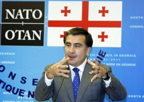Президент Грузии Михаил Саакашвили на пресс-конференции в Батуми после заседания комиссии НАТО-Грузия