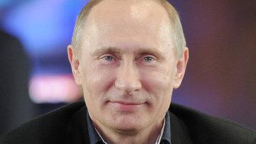 Кандидат в президенты РФ В. Путин посещает избирательный штаб