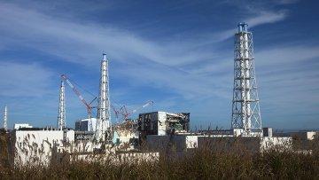 """Впервые допущенные на """"Фукусиму"""" журналисты увидели там разрушения 8-месячной давности"""