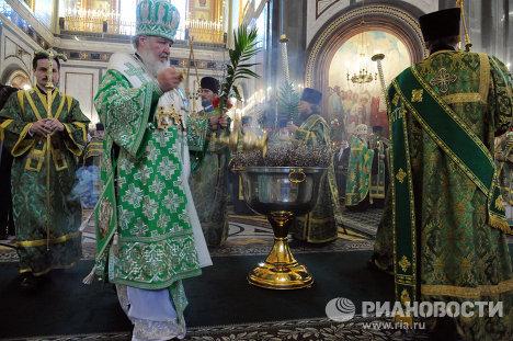 Патриарх Московский и всея Руси Кирилл освятил вербы