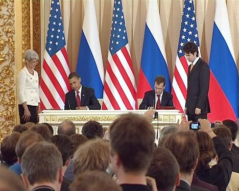 """Медведев и Обама """"перезагрузили"""" сокращение вооружений"""