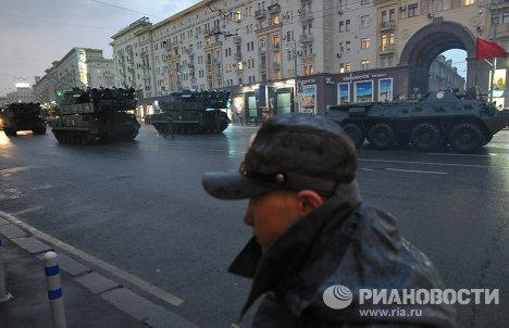Военная техника на Тверской улице