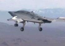 Палубный беспилотник X-47B впервые поднялся в небо в США