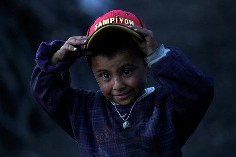 Маленький житель города Кызылджахамама, Турция