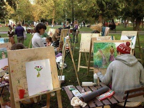 В Парке Горького организованы пленэры для желающих рисовать