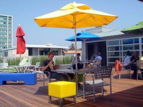 Летняя площадка офиса Google (Санта-Моника)