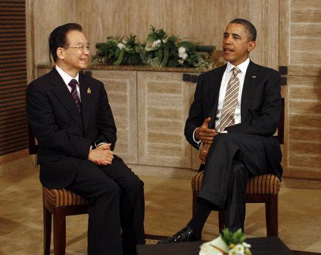 Президент США Барак Обама обсудил с премьером Госсовета КНР Вэнь Цзябао на саммите в Бали