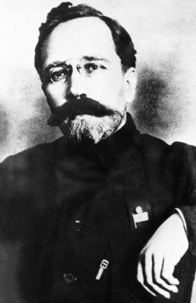 Каменев Лев Борисович (1883 - 1936 г. г.), советский партийный и государственный деятель.