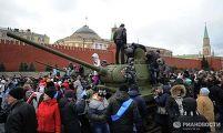 После окончания торжественного марша на Красной площади