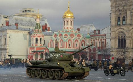 Военная техника образца времен Великой Отечественной войны во