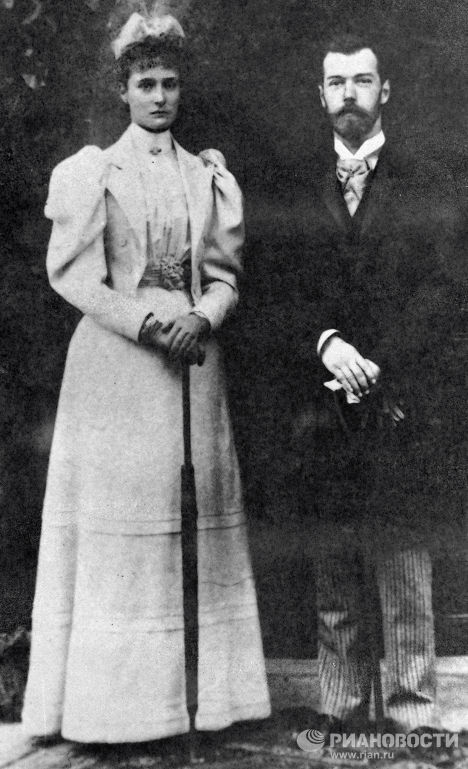 Император Николай II с женой