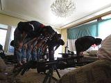 Солдаты Свободной сирийской армии во время молитвы