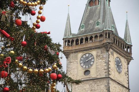 В новогодние каникулы на улицах Праги работало сразу несколь