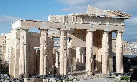 Пропилеи афинского Акрополя после реставрации