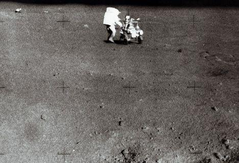 Астронавт   на Луне 5 ферваля 1971 г.