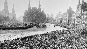 Церемония приветствия Императора Николая II во время празднования 300-летия Дома Романовых