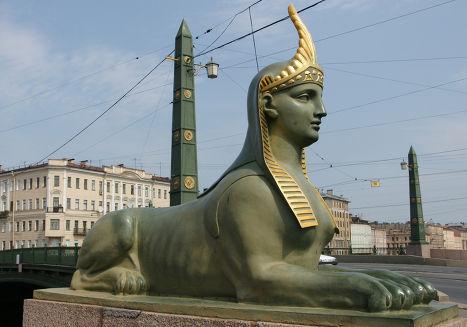 Сфинкс на Египетском мосту в Санкт-Петербурге