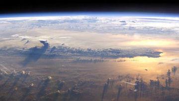 Солнце над Тихим океаном