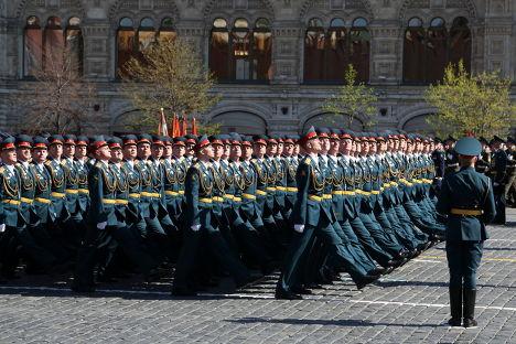 Держа равнение и чеканя шаг: парад Победы на Красной площади