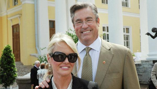 Майкл Романов-Ильинский с женой