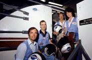 Первая женщина-астронавт США Салли Райд и ее коллеги