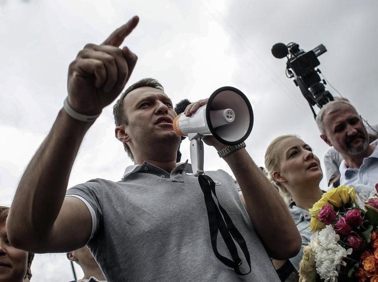 А.Навальный приехал из Кирова в Москву