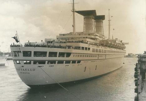 Круизный лайнер «Рафаэль»