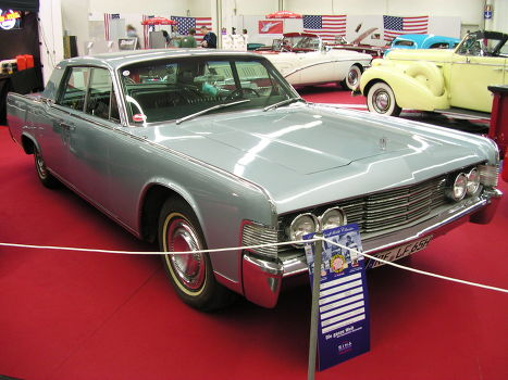 Lincoln Continental 1965 года