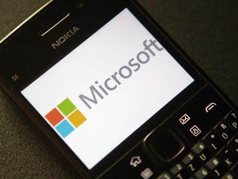 Логотип Microsoft на телефоне Nokia