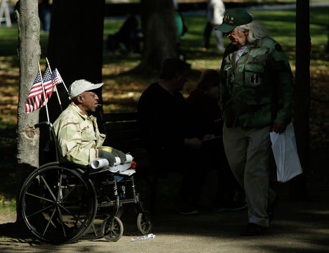 Военный ветеран Морган в День Ветеранов в Вашингтоне 11 ноября 2013 года