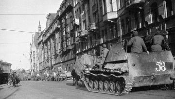 На улицах освобожденной Риги