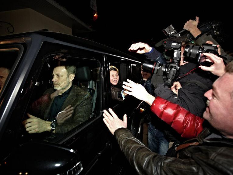Ю.Тимошенко выезжает из больницы