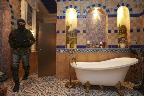 Ванная комната в доме бывшего генпрокурора Украины Виктора Пшонки