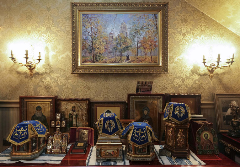 Церковная утварь в доме бывшего генпрокурора Украины Виктора Пшонки