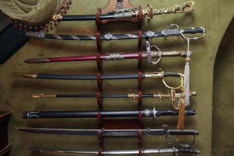 Коллекция оружия в доме бывшего генпрокурора Украины Виктора Пшонки