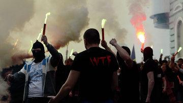 В Харькове футбольные фанаты напали на сторонников федерализации